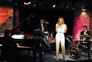 Jasmin Bayer - duo, trio, quartett or band