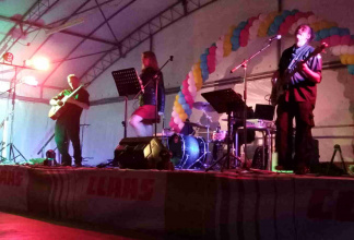Movida Club Latin pop live band