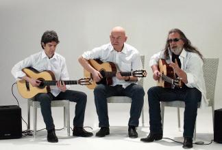 `Los Chitarrones` Musica Gitana