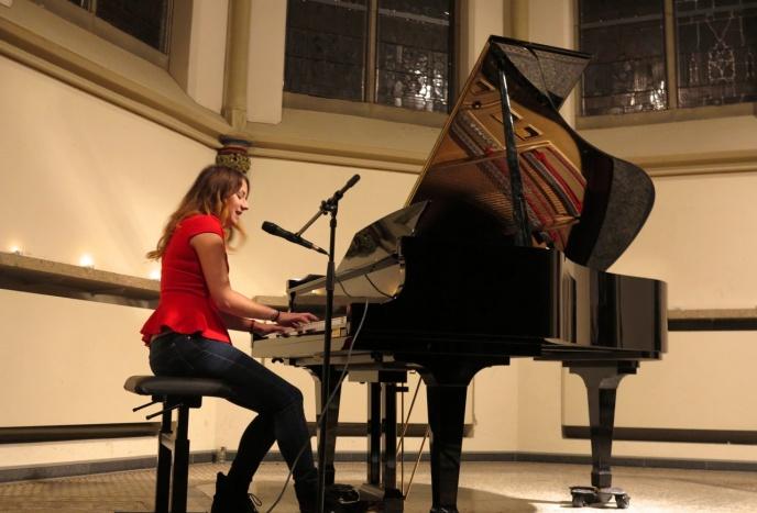 Firmenfeier Dresden Anspruchsvolle Livemusik - Gesang und Klavier für jeden Anlass