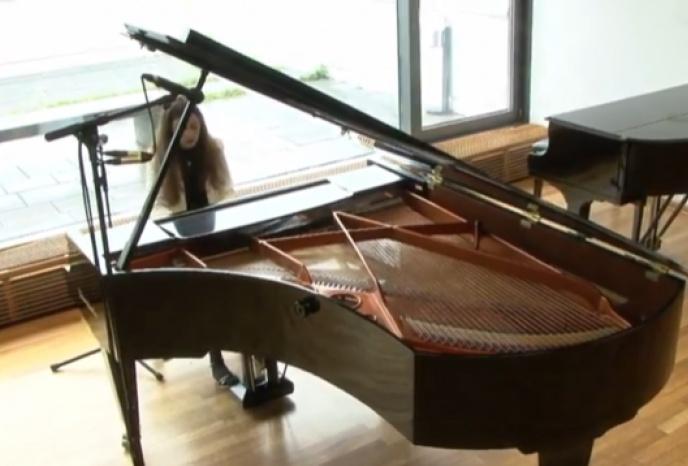 Hochzeitsband München Alessandra - Pianistin