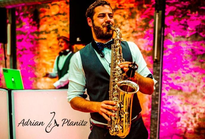 Firmenfeier Nuernberg Adrian - Live Saxophone Performance