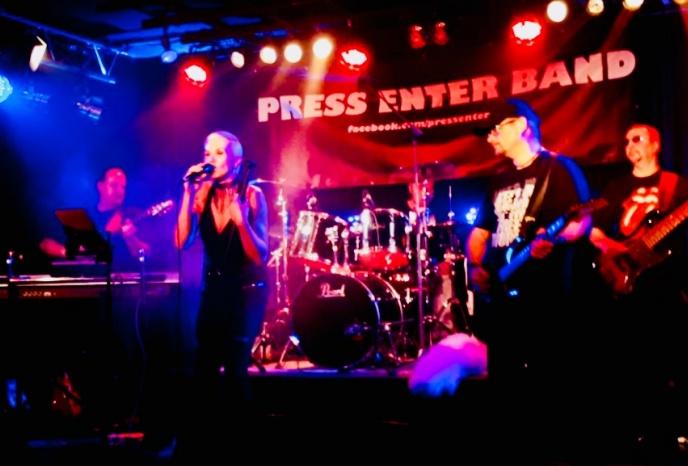 Hochzeitsband München PRESS ENTER BAND.  Wir spielen die Rockbuster der letzten 4Jahrzehnte