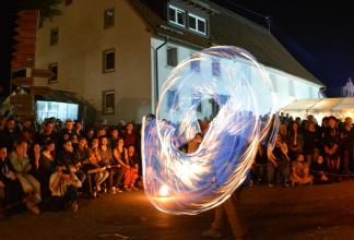 mittelalterliche Feuershow, moderne Feuershow, Halloween Feuershow