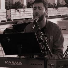 Alleinunterhalter-Musiker Yoan - One Man Show für Ihre Veranstaltungen