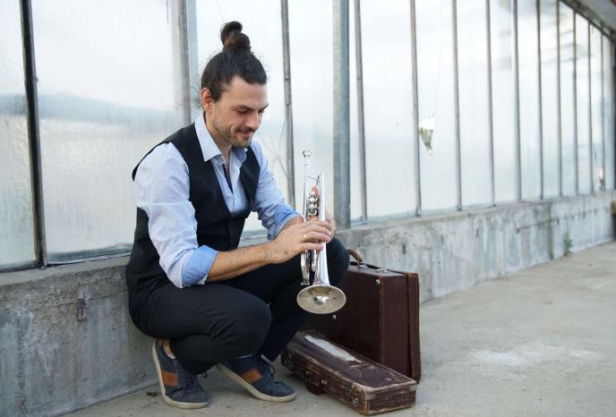 Firmenfeier Nuernberg Jo! Loop - Idealbesetzung für Hintergrundmusik zum Staunen