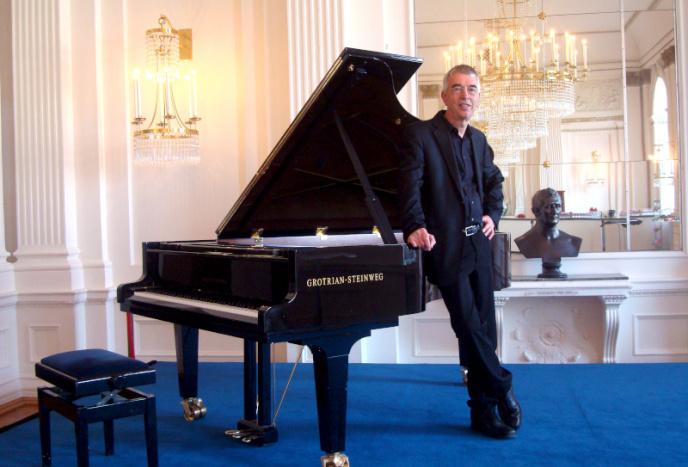Firmenfeier Berlin Pianist & Sänger Mat